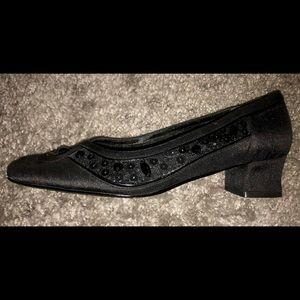 """Vintage J. Renee 1.5"""" black heels w/ sequins NWOT"""